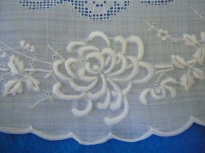 VTG Bright White Cotton Oval Doilies Hand Embroidered Drawn Spider Mums 13.5x19