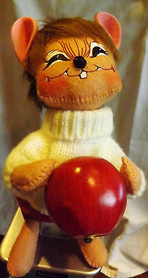 """Annalee Mobilitee Doll Mouse With Apple aprox 10"""" tall"""