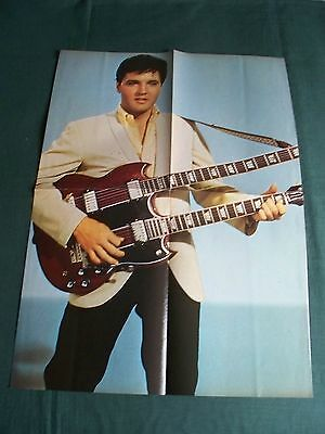 Elvis Presley -  Magazine Clipping - ( Pull  Out Picture )