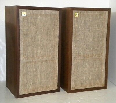AR-4X Acoustic Research Vintage Bookshelf Stereo Speakers ~ Cabinets Great