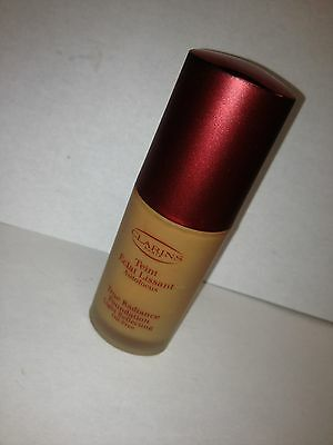 TRUE RADIANCE by Clarins Light Reflecting Oil-Free True Camel Unboxed Lot F