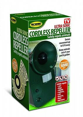 Cordless Ultrasonic Pest Repeller Covers 5000 Square Feet Repel most Animals Dog