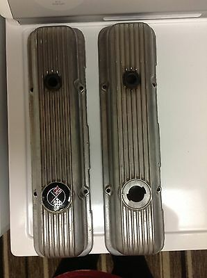 Original Chevy V-Flag Valve Covers 14025553 LH 14025554 RH