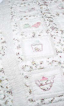 100% Cotton Pocket Stitched Bed Quilt - Single(150x225cms)-Powell Craft-Cupcakes