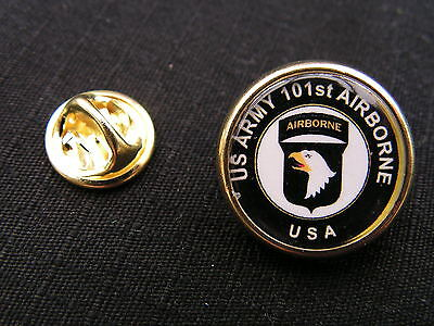 """Pin's """" US ARMY 101st AIRBORNE """" WW2 screaming eagles Ste Mère BAND OF BROTHERS"""