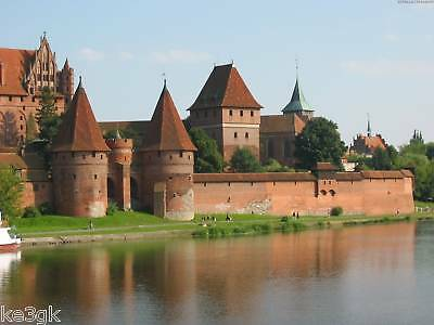 Over 350 Pictures of Castles in Color * CDROM * JPG Format