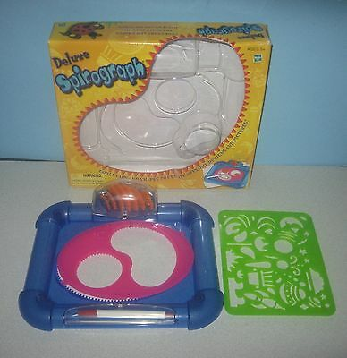 Hasbro Deluxe Spirograph Game 67100 Built In Gear & Pen Storage Drawing Set