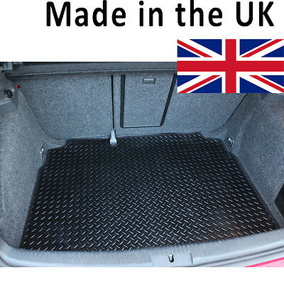 Volkswagen VW New Beetle 1999-2011 Fully Tailored Black Rubber Car Boot Mat