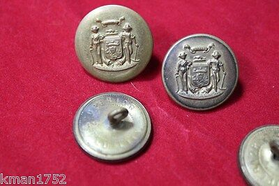 Original WWII era US Army National Guard & Police state of Wisconsin button #11
