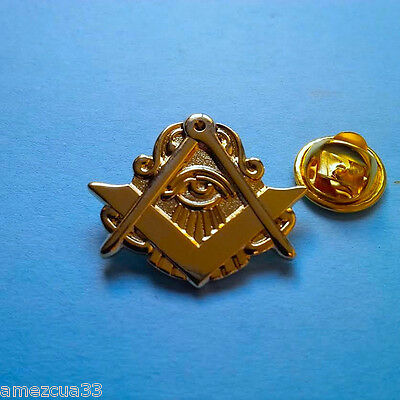 Large All Seen eye Master Mason Lapel Pin Golden