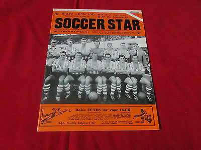 SOCCER Star Magazine SHEFFIELD WEDNESDAY  Team Picture Cover  17/10/59