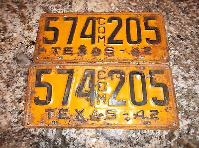 1942 Texas Commercial License Plates 574 205