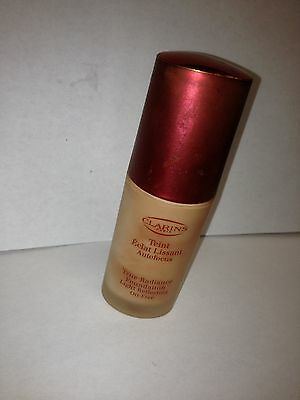 TRUE RADIANCE by Clarins Light Reflecting Oil-Free Praline Unboxed Lot F