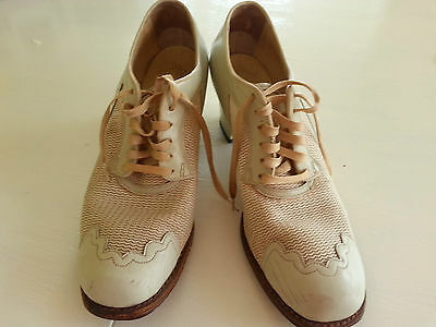 Women's Vintage 1940's WWII Swing Dance Shoes 7 7.5 Oxford Lace Tie Cream Mesh
