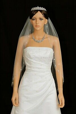 1 Layer Bridal White / Ivory Fingertip Length Floral Beaded Edge Wedding Veil