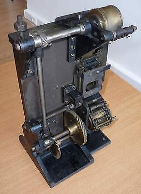 100_Years_Old_Film_Projector-04_[=T=]