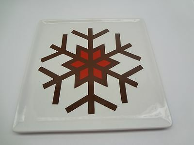 """Food Network Gingerbread Pattern Snowflake 8.75"""" Square Plate"""