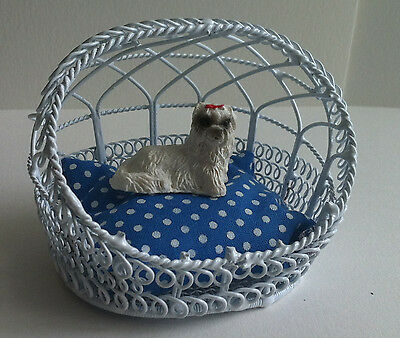 Wire Dog / Cat Basket, Doll House Miniature Dog Not Included