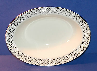 EDWIN M KNOWLES CHINA USA HOSTESS KNO256 9 5/8 INCH OVAL VEGETABLE BOWL (19-D)