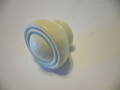 un-used Round Off White Creme WOODEN Drawer KNOBS Pulls concentric groove on top