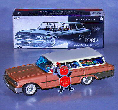 VINTAGE FRICTION POWERED 1961 FORD COUNTRY SEDAN WAGON MADE IN JAPAN! ブリキ