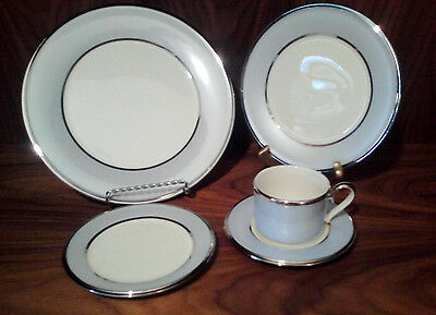 LENOX BLUE FROST 5 PIECE PLACE SETTING - NEW - MADE IN USA