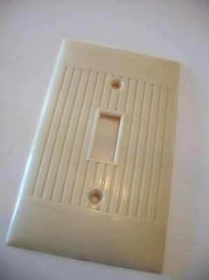 VTG 1960's Single SWITCH Wall Cover Plate IVORY RIBBED Bakelite The SIERRA Line
