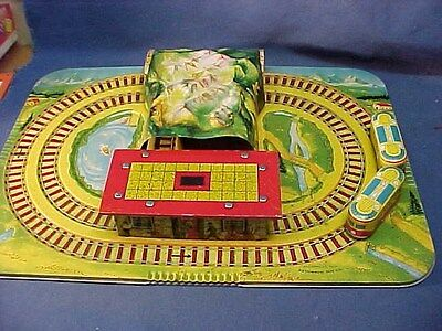 1940s AUTOMATIC TOY Co Tin Litho WIND UP ALPINE TOY TRAIN Playset