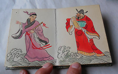 Vintage Chinese 8 Immortals Pang Tao Small Accordion Book Hand Painted Wow!!