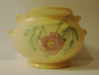 """Vintage Hull #514 Dogwood Jardinere only about 3"""" high"""