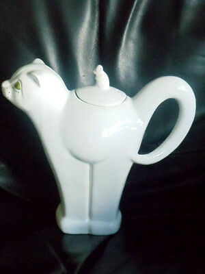 Carlton Ware tall white Cat & Mouse Teapot with green eyes