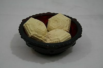 Avon 1876 Cape Cod Collection Ruby Red Dessert Bowl Special Occasion Soap