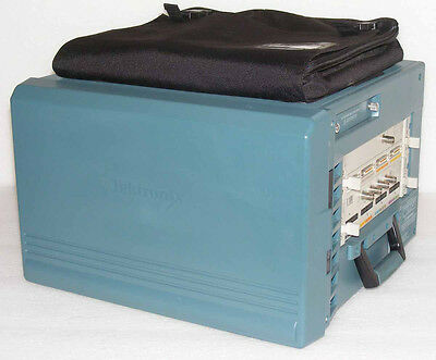 Tektronix Tla7012 Logic Analyzer + Tla7Aa4/es + Tla7Pg2