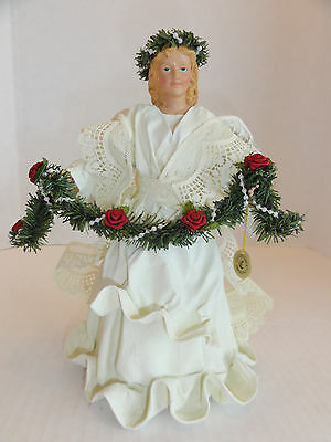 Possible Dreams Clothitque  9.5 inch Angel  with Rose and  Beaed  Garland