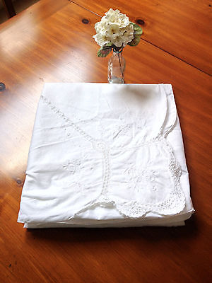 Vtg Large White Cotton Embroidered Crochet Cutwork Tablecloth 100x63 Shabby Chic