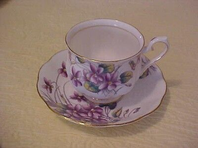 Royal Albert Flower of the Month Cup & Saucer VIOLETS No. 2