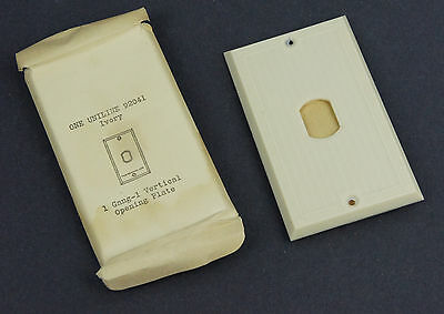 Vintage Deco Uniline Ivory Despard Switch Cover Plate NOS single Gang Vertical