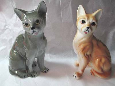TWO PAIR OF CATS BONE CHINA VINTAGE TAIWAN STATUETTES DETAILED GRAY ORANGE TABBY