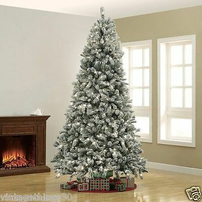 7.5 feet winter frost locked Christmas pine tree 980 branches 450 clear lights