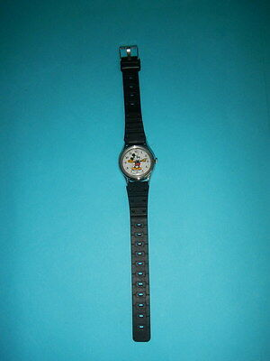 VINTAGE LORUS MICKEY MOUSE WATCH / CHILDS OR LADIES