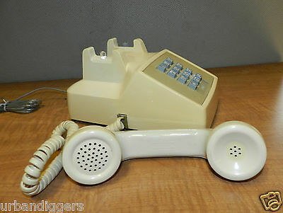 8777 Vintage Bell System Western Electric Push Button Touch Tone Telephone WORKS