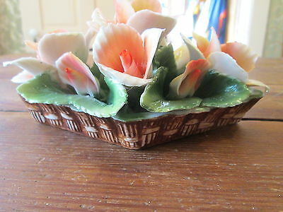 GEORGEOUS--SMALL BASKET OF FLOWERS--CAPODIMONTE--MADE IN ITALY