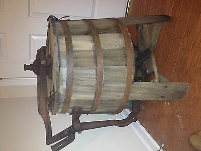 antique wooden washing machine ca 1915 H.F. Brammer Manufacturing Company