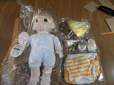PRECIOUS MOMENTS DOLL ( CHEERLEADER )  AND OUTFIT  NEW OLD STOCK SEALED