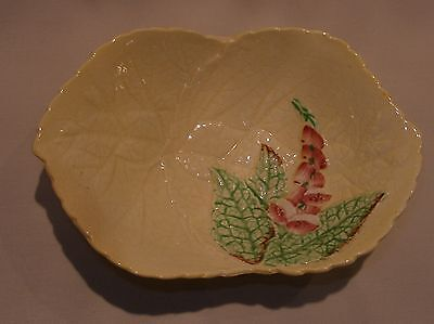 "CARLTON WARE ""Fox Glove"" Yellow PEDESTAL DISH Floral Embossed MAJOLICA ENGLAND"