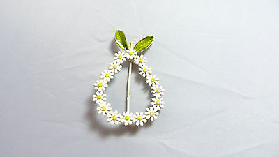 DAINTY VINTAGE YELLOW AND WHITE ENAMEL FLOWER CLUSTER PEAR SHAPED BROOCH