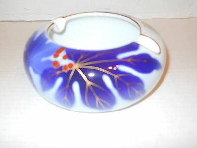 Vintage Asian Collectible Pottery/Ashtray Blue Flower Leaf Design w/ Gold Inlay