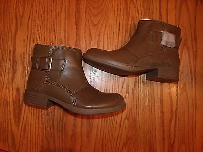 NEW WOMENS KENNETH COLE REACTION ANKLE BOOTS DOLL FACE MUSHROOM BROWN SIZE 8 8.5