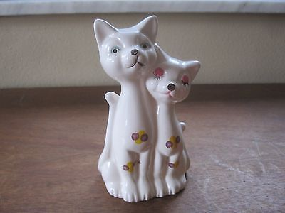 Lovey Dovey Cats, Ceramic Figurine ~ Sophia Ann, Taiwan  ~ Adorable
