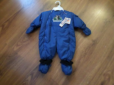 6 To 9 Months Baby's Minnesota Timberwolves Snowsuit - New - W/ Hood & Gloves